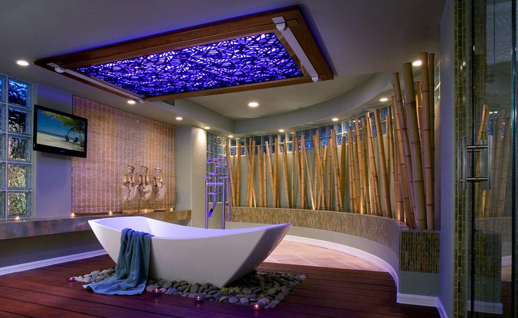 חדר אמבטיה מעוצב עם במבוק